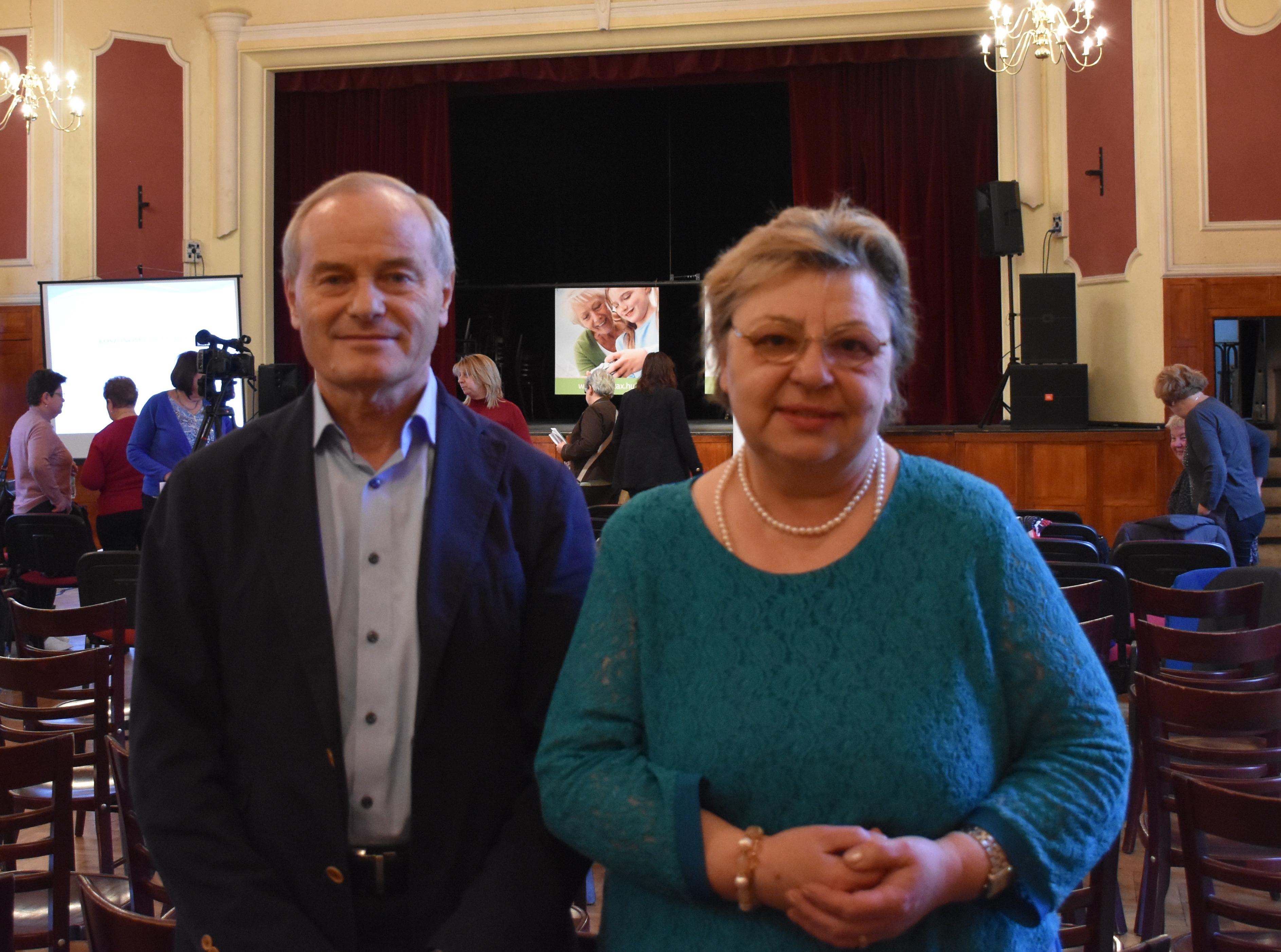 Lepsényi Mária és Zelenák András a Novitax adóklub rendezvényen 2017.02.01. KÖSZI